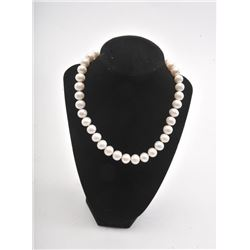 20RPS-11 STRAND OF PEARLS
