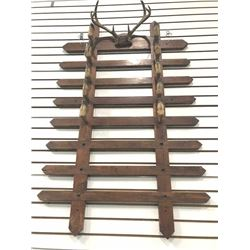 20TMO-175 HOOF WALL RACK