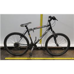 Trek 820 Black Men's Mountain Bike w/ Shimano Tourney Gearing