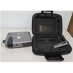 Dell DLP 3200MP Laptop Projector w/ Cords, Remote & Carry Case