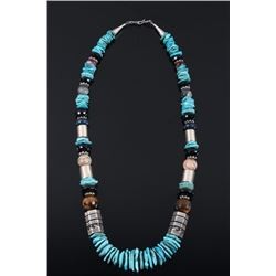 Navajo T&R Singer Sleeping Beauty Necklace