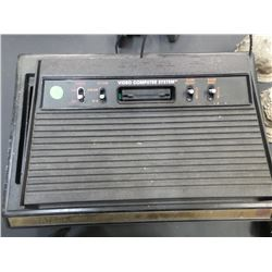 ATARI 2600 CONSOLE AND CONTROLLERS
