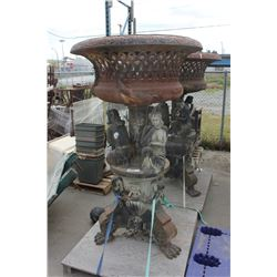 LARGE METAL YARD DECORATIVE STAND