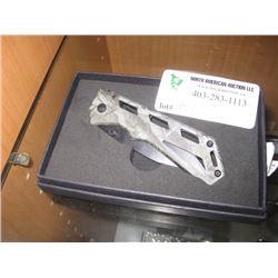 POCKET KNIFE GREEN CAMO