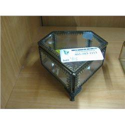 PENTIGON TRINKET BOX