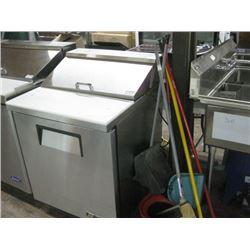 "True TSSU-27-08-HC 27"" 8 Pan Salad / Sandwich Prep Table Refrigerator"