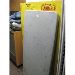 5FT LIFETIME PLASTIC FOLDING TABLE