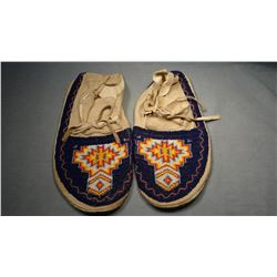 Arapahoe full beaded moccasins, Wind River Reservation, WY.