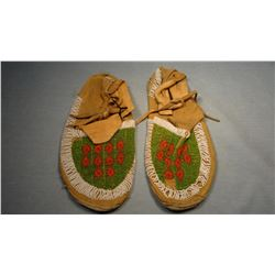 Crow 3/4 beaded moccasins