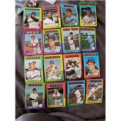 1975 Topps 16 Card Baseball Lot