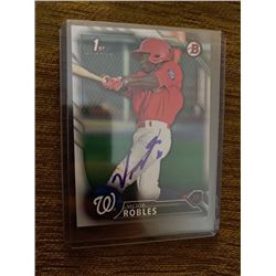 Victor Robles on card auto