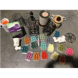 ASSTD BOX OF SCENTSY INCLUDES BURNERS/PLUG IN BURNERS/SLEEVES & WAX - D