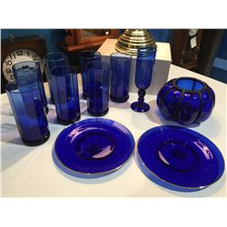 SHELF LOT OF ASSTD COBALT BLUE GLASSES, DECORATIVE BOWL & 2 SIDE PLATES