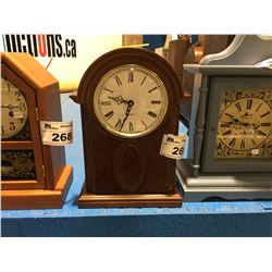 BATTERY MOVEMENT CHIME MANTLE CLOCK