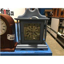 BATTERY MOVEMENT MANTLE CLOCK