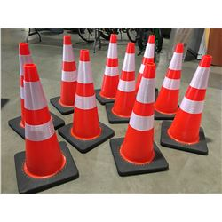 """10 X SAFETY HIGHWAY CONES 28"""" HIGH - T"""