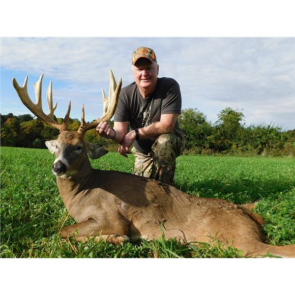 Ohio, USA -- 2 Hunters for 3-Day/4-Night Hunt for Five Star Ohio Whitetail Deer