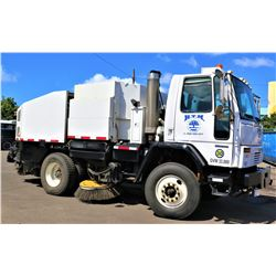 03 Elgin SC8000 Series F Street Sweeper (Runs Drives Sweeps Etc See Video)