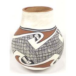 Native American Isleta Pottery Olla
