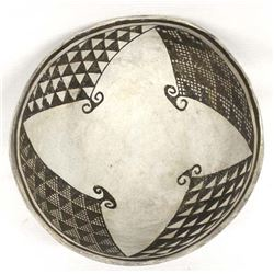 Prehistoric Native American Mimbres Pottery Bowl