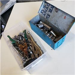 CLEAR TOTE AND METAL BOX OF VARIOUS SOCKETS ETC