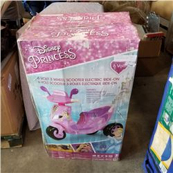 DISNEY PRINCESS 6 VOLT 3 WHEEL SCOOTER ELECTRIC RIDE ON