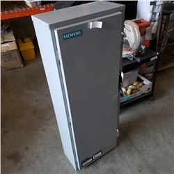 NEW SIEMENS POWER SWITCH BOX DESIGNED FOR 600 AMPS