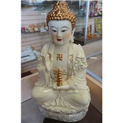 SITTING BUDDAH STATUE