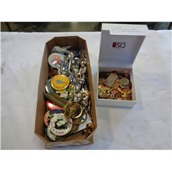 TRAY OF COLLECTOR SPOONS, PINS, ETC AND BOX OF COINS, PINS, ETC