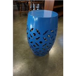 METAL BLUE PLANT STAND