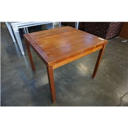 ANTIQUE DRAW LEAF TABLE