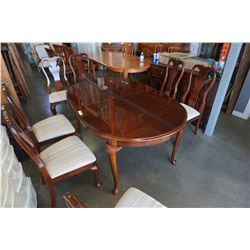 MAHOGANY DINING TABLE W/ 2 LEAFS AND 8 CHAIRS BY THOMASVILLE