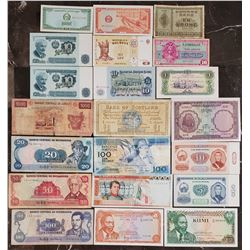 Lot of 21 World Notes
