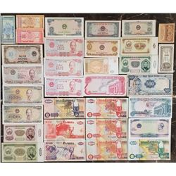 Lot of 32 World Notes