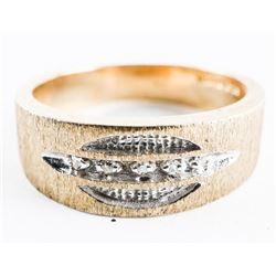 10kt Gold - Diamond Band Ring. Size 9.5 - 5.92gram