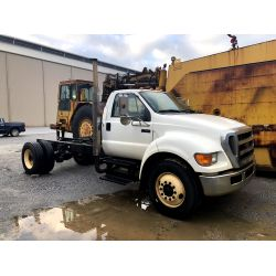 2009 FORD F750 Cab and Chassis Truck