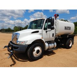 2009 INTERNATIONAL 4300 Water Truck
