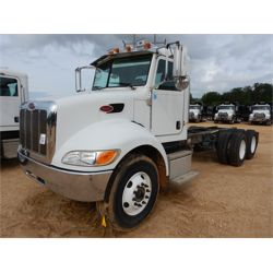 2014 PETERBILT 348 Cab and Chassis Truck
