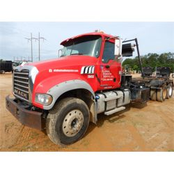 2013 MACK GU713 Roll Off Truck