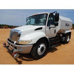 2005 INTERNATIONAL 4300 Water Truck