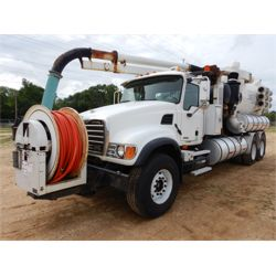 2004 MACK CV713 Vacuum Truck