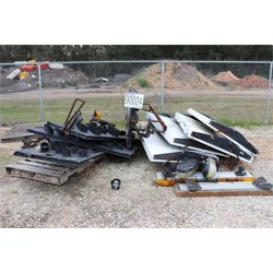 early warner signs, arrowboards, lightbars, Selling Offsite: Located in Mobile, AL