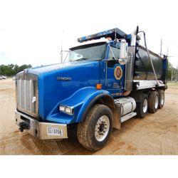 2011 KENWORTH T800 Dump Truck