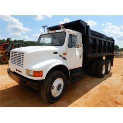 1995 INTERNATIONAL 4900 Dump Truck