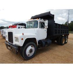 1981 MACK RD Dump Truck
