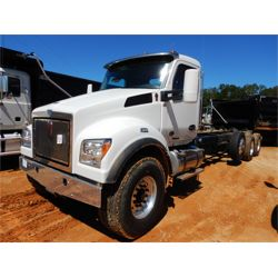 2020 KENWORTH T880 Cab and Chassis Truck