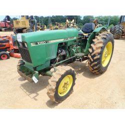 JOHN DEERE 1050 Tractor
