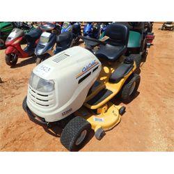 CUB CADET LT1042 Mowing Equipment