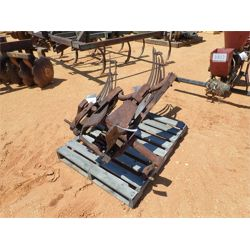2 row bottom plow (C6)