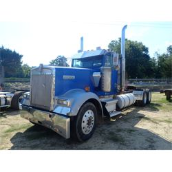 1993 KENWORTH T800 Day Cab Truck